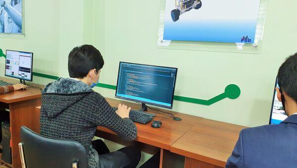 В Гулистане открылась школа с углубленным изучением информационных технологий - Sputnik Узбекистан