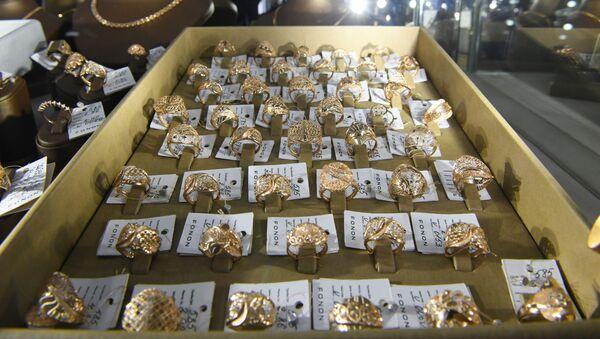Золотые украшения узбекского производства - Sputnik Узбекистан
