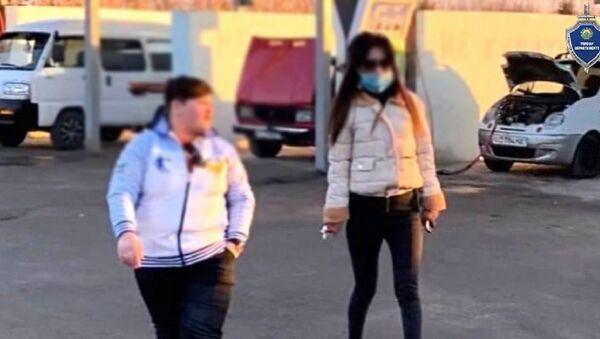 В аэропорту Ташкента задержаны сутенерши, пытавшиеся отправить девушку в Турцию - Sputnik Ўзбекистон