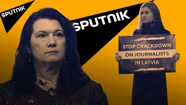 Nima uchun Mariya Butina TIV Qabullar uyi yonida yakka oʻzi piketga chiqdi - Sputnik Oʻzbekiston