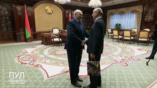Лукашенко о Мирзиёеве: это человек, которого будет боготворить Узбекистан - Sputnik Ўзбекистон