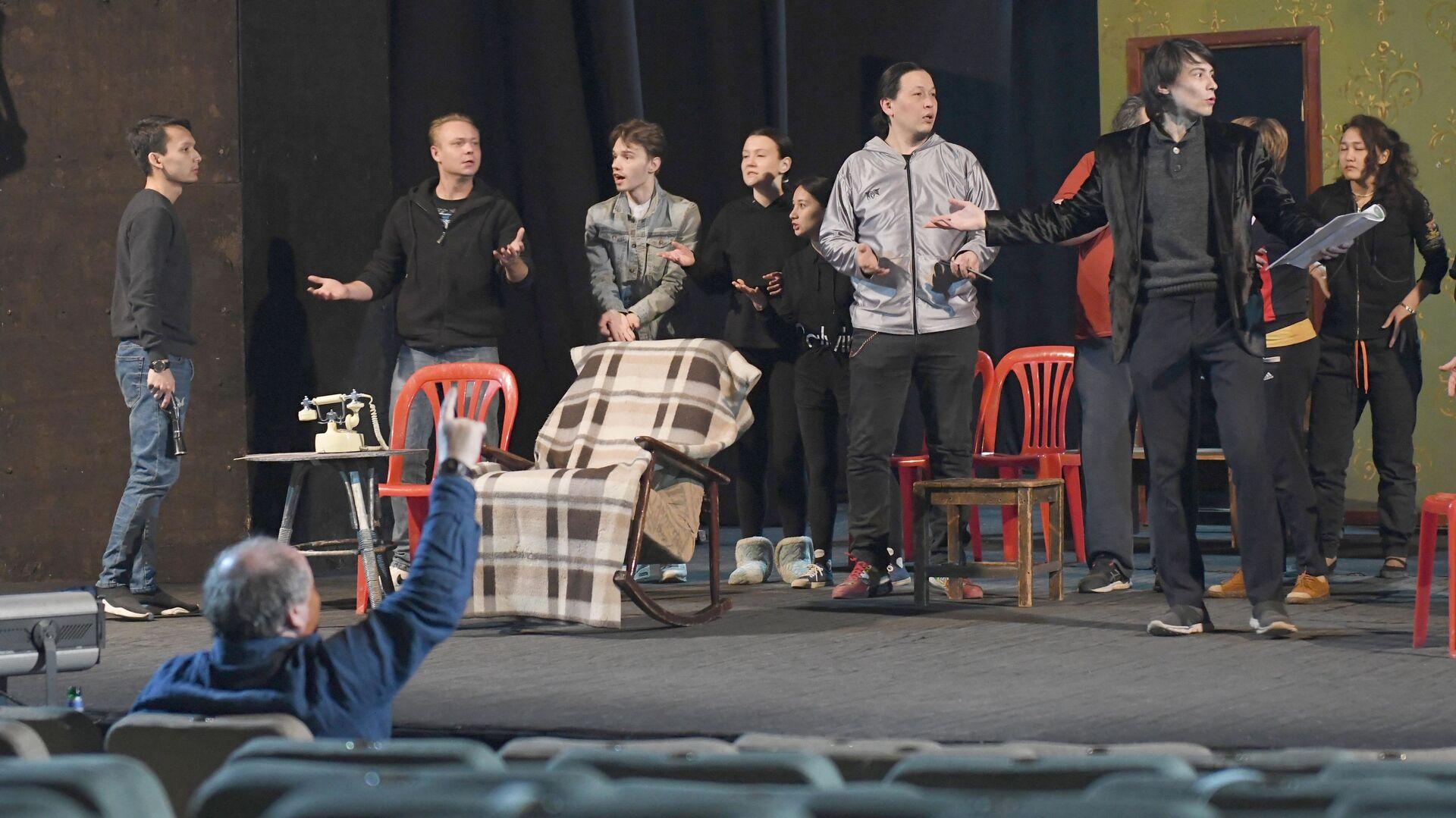 Репетиция спектакля Леди на день в Молодежном театре Узбекистана - Sputnik Узбекистан, 1920, 10.03.2021