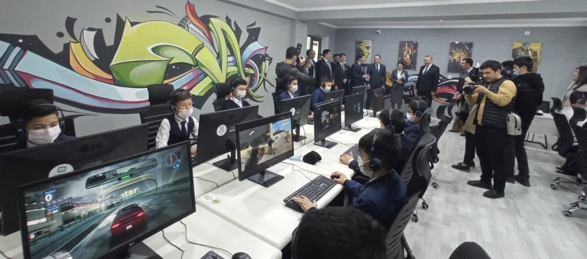 В Джизаке открылась спецшкола с углубленным изучением информатики и IT - Sputnik Узбекистан, 1920, 07.02.2021