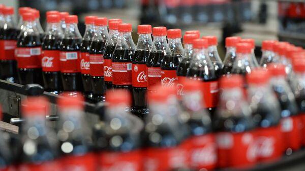Продукция завода Coca-Cola - Sputnik Ўзбекистон