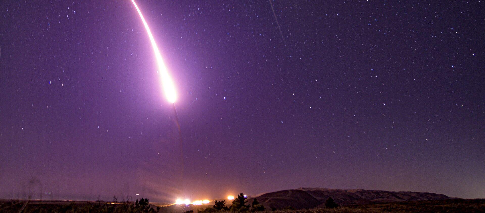 Pusk amerikanskoy mejkontinentalnoy ballisticheskoy raketы Minuteman III - Sputnik Oʻzbekiston, 1920, 10.02.2021