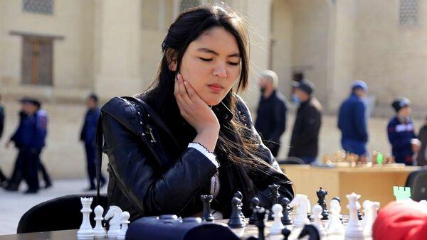 Шахматные соревнования в Бухаре в честь открытия турсезона - Sputnik Узбекистан