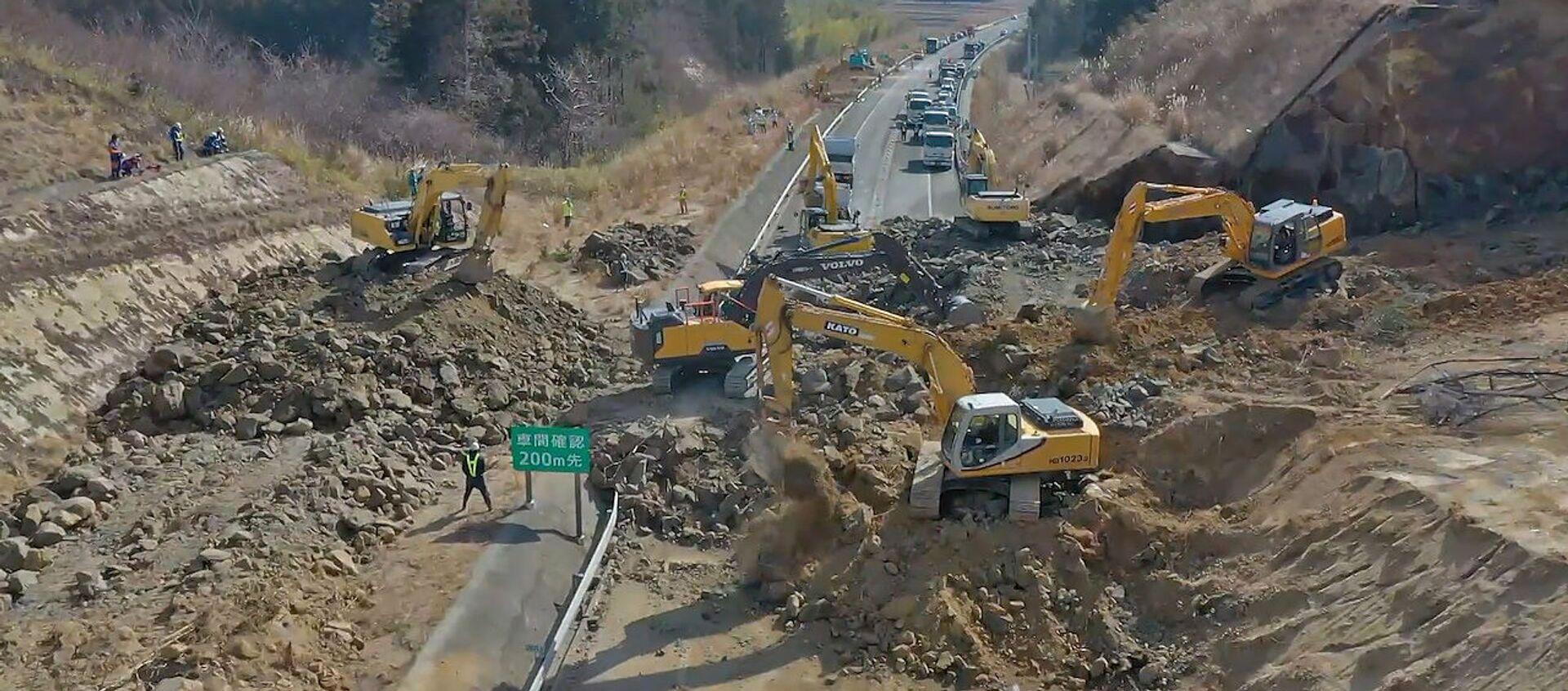 Снова Фукусима: последствия мощного землетрясения в Японии - видео - Sputnik Узбекистан, 1920, 15.02.2021