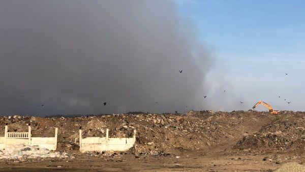 Загрязнение воздуха на полигоне в Ургенче - Sputnik Узбекистан