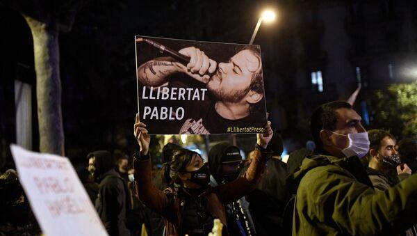 Демонстрация с требованием освободить музыканта Пабло Аселя в Барселоне - Sputnik Узбекистан