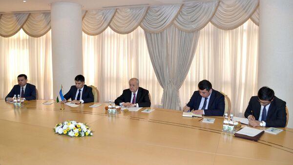 Glava MID Uzbekistana Abdulaziz Kamilov vstretilsya s prezidentom Turkmenistana Gurbangulы Berdыmuxamedovыm - Sputnik Oʻzbekiston