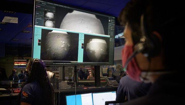 Планетоход США совершил успешную посадку на Марсе - Sputnik Узбекистан