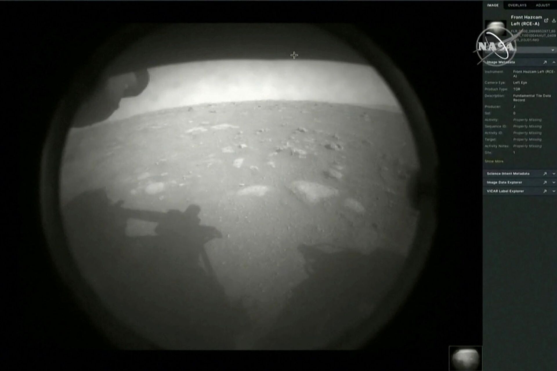 Первое изображение с марсохода Perseverance после приземления на Марс - Sputnik Узбекистан, 1920, 09.03.2021