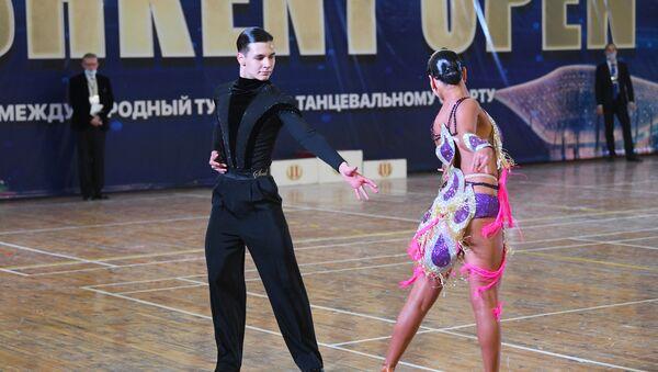 Пандемии вопреки: в Ташкенте проходит турнир по спортивным танцам - Sputnik Узбекистан