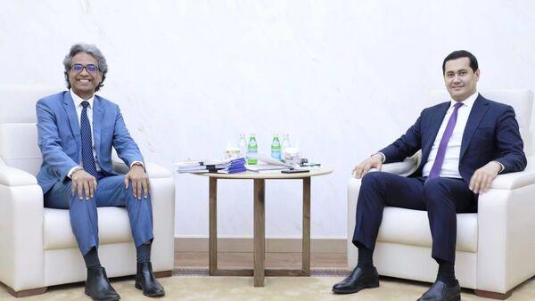 Инвесторы из Сингапура намерены расширять технические базы создаваемых производств - Sputnik Узбекистан