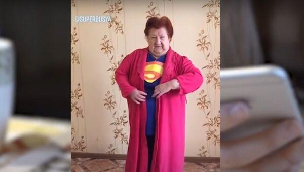 Пенсионерка взрывает интернет и собирает миллионы просмотров в TikTok - Sputnik Узбекистан