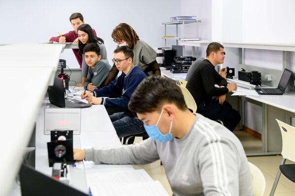 В ближайшие годы на территории кампуса построят два девятиэтажных здания, где будут проживать студенты и преподаватели филиала. - Sputnik Узбекистан