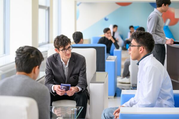 Вуз входит в различные рейтинги лучших университетов мира, занимает 30-е место в рейтинге BRICS, 8-е место — в Евразийском рейтинге и 1-е — по отзывам студентов и востребованности среди российских инженерных вузов.  - Sputnik Узбекистан
