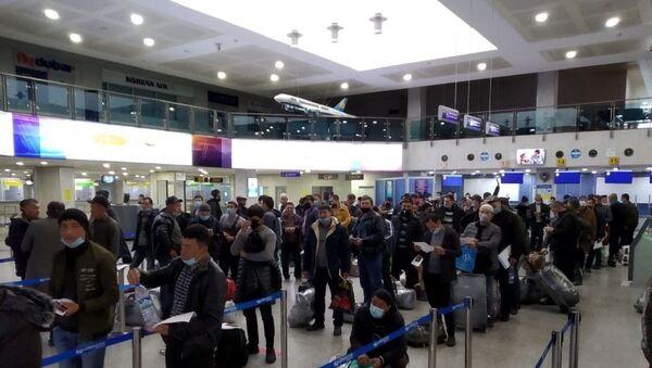 Za tri dnya 670 migrantov iz Uzbekistana otpravilis na rabotu v RF v ramkax orgnabora - Sputnik Oʻzbekiston