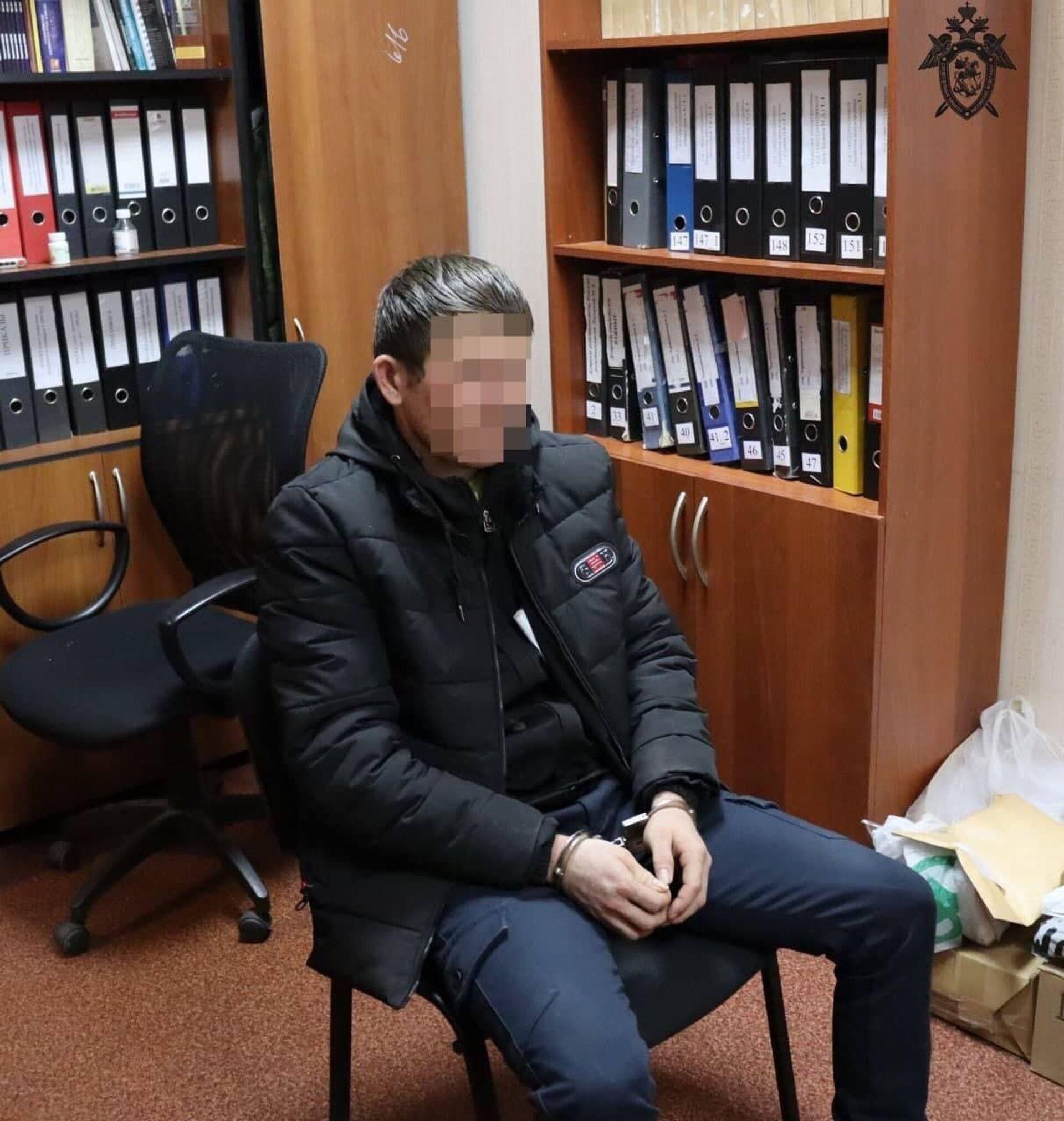 Подозреваемый в убийстве семьи в Нижегородской области доставлен в СУ СК России для допроса - Sputnik Узбекистан, 1920, 09.03.2021
