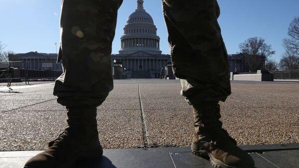 Здание Капитолия в Вашингтоне - Sputnik Узбекистан