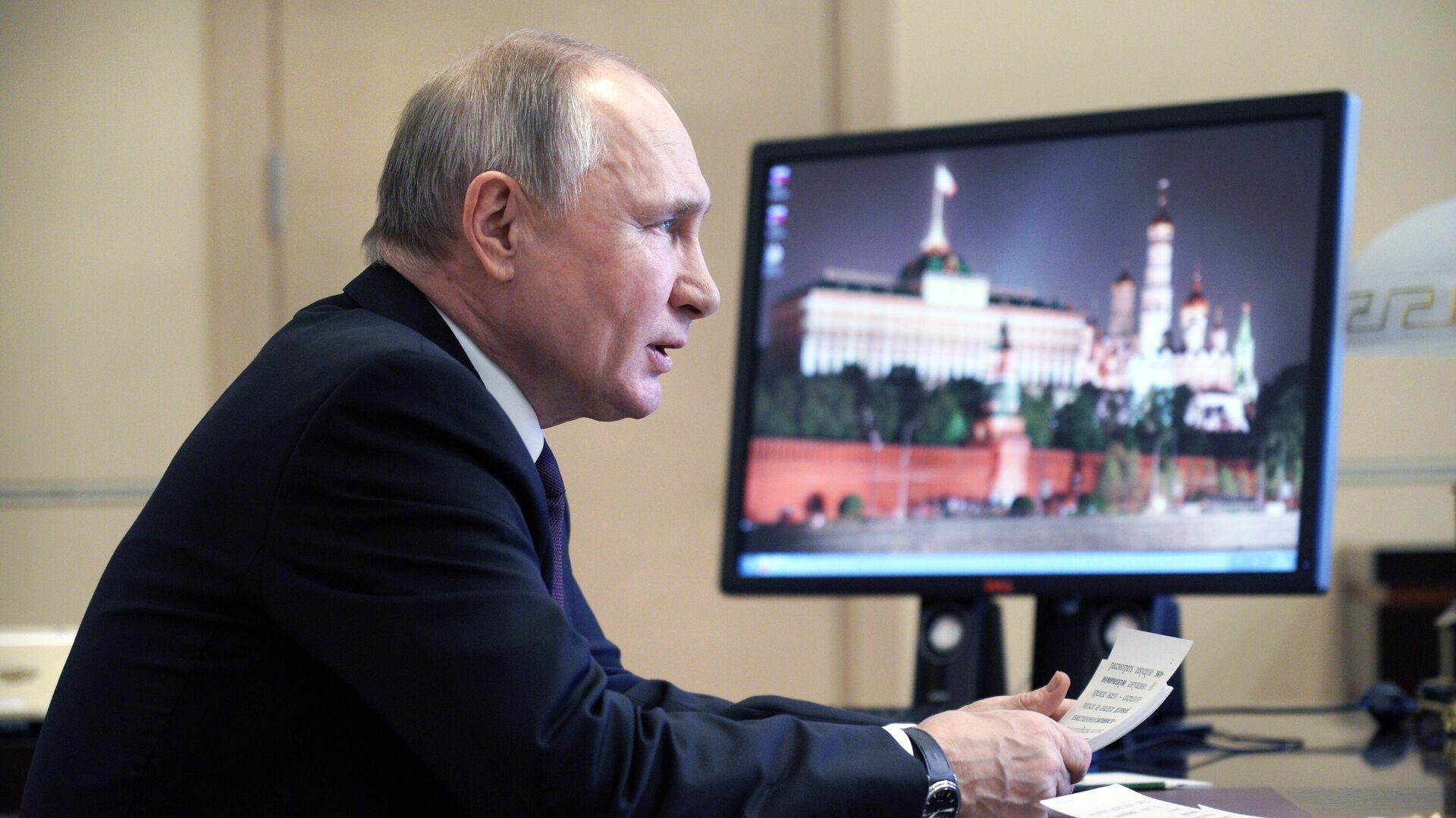 Президент РФ В. Путин  - Sputnik Ўзбекистон, 1920, 11.03.2021