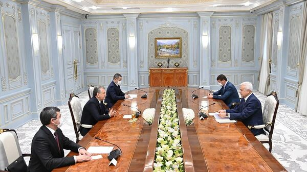 Президент Республики Узбекистан принял главу российской компании ЛУКОЙЛ - Sputnik Узбекистан