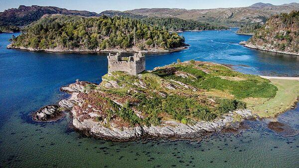 Олений остров в Шотландии, также известный как Эйлин-эн-Фейд - Sputnik Узбекистан