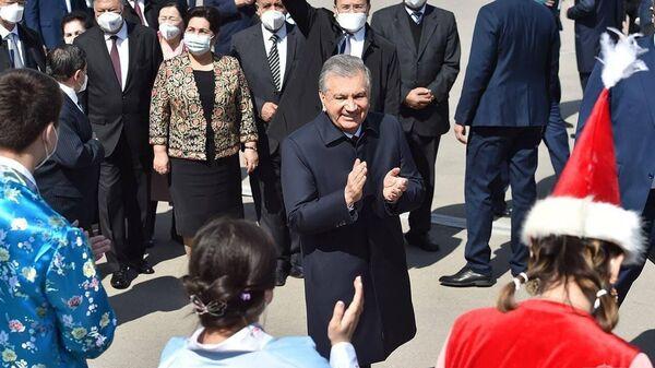 - Sputnik Узбекистан