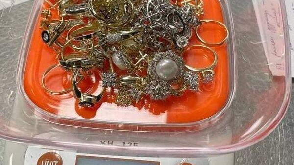 Контрабанда ювелирных украшений - Sputnik Узбекистан