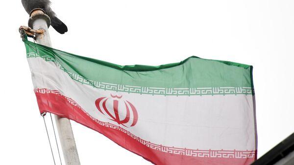 Флаг посольства Исламской Республики Иран на Покровском бульваре в Москве. - Sputnik Узбекистан