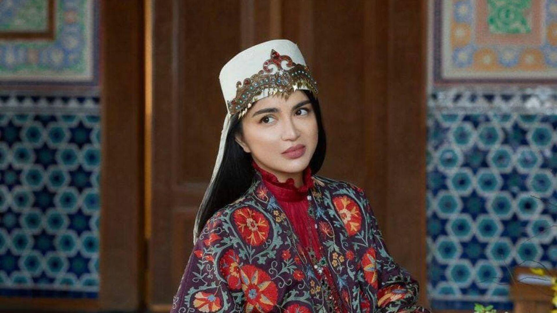 Фотосессия в стиле этно: Саида Мирзиёева предстала в необычном образе - Sputnik Узбекистан, 1920, 01.10.2021