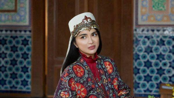 Фотосессия в стиле этно: Саида Мирзиёева предстала в необычном образе - Sputnik Узбекистан