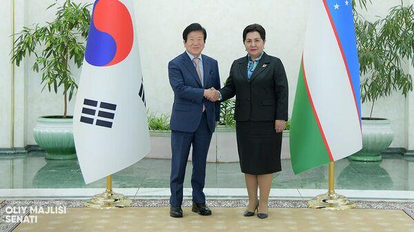Глава Национального собрания Южной Кореи Пак Бён Сок и председатель Сената Олий Мажлиса Узбекистана Танзила Нарбаева - Sputnik Узбекистан