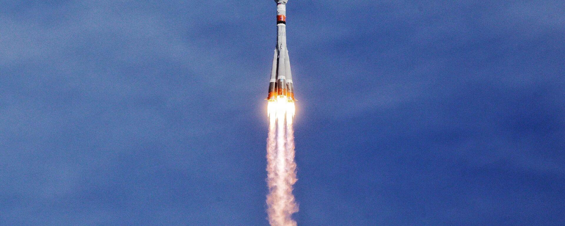 Пуск РН Союз-2.1б с разгонным блоком Фрегат с космодрома Восточный - Sputnik Узбекистан, 1920, 12.04.2021