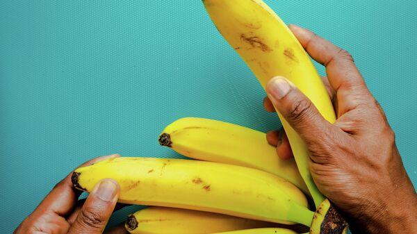 Банан, иллюстративное фото - Sputnik Ўзбекистон