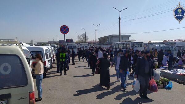 На рынке Куйлюк правоохранители задержали карманника - Sputnik Узбекистан