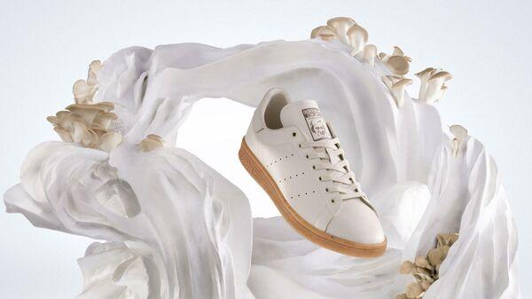 Кроссовки Stan Smith Mylo от Adidas - Sputnik Узбекистан