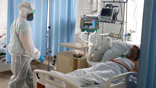 Лечение больных COVID-19  - Sputnik Ўзбекистон