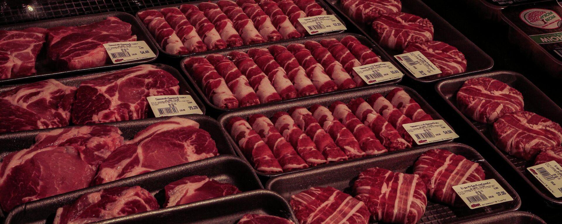 Мясо на прилавке - Sputnik Узбекистан, 1920, 19.04.2021