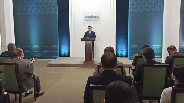 Брифинг Шерзода Асадова, пресс-секретаря президента Узбекистана - Sputnik Узбекистан