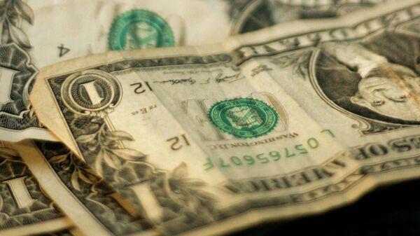 Доллары, иллюстративное фото - Sputnik Узбекистан