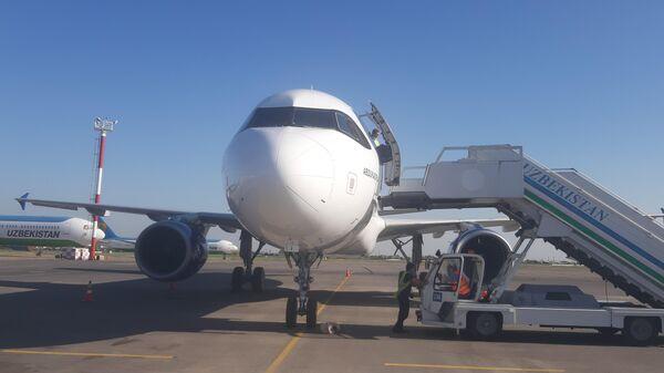 Авиакомпания Qanot Sharq получила первый самолет Airbus A320 - Sputnik Узбекистан