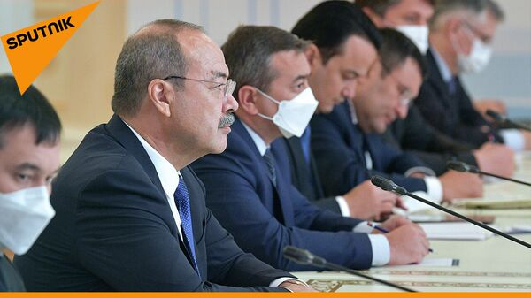 Арипов: вакцина Спутник V пользуется очень высоким спросом - мы готовы ее производить  - Sputnik Узбекистан