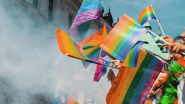 Флаги ЛГБТ, иллюстративное фото - Sputnik Узбекистан
