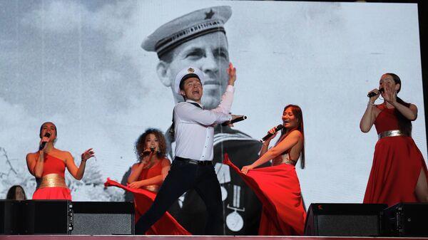 В Ташкенте в рамках проекта Песни Победы выступили Хор Турецкого и SOPRANO - Sputnik Узбекистан