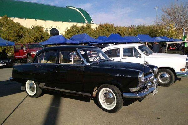 Выставка ретро-автомобилей - Sputnik Узбекистан