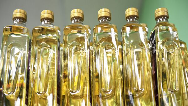 Бутылки с растительным маслом - Sputnik Узбекистан