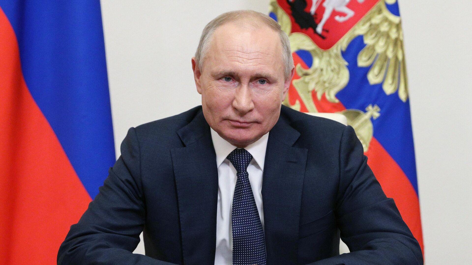 Президент РФ Владимир Путин - Sputnik Узбекистан, 1920, 03.07.2021