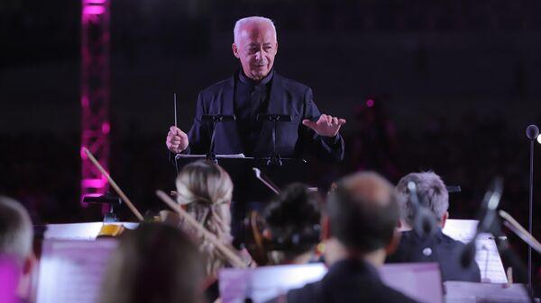 Владимир Спиваков и Национальный филармонический оркестр России на площади Регистан в Самарканде - Sputnik Узбекистан