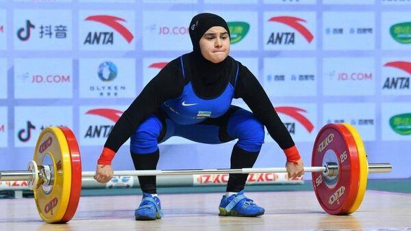 Чемпионат мира по тяжелой атлетике среди юниоров - Sputnik Узбекистан